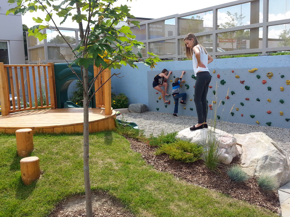 Fcs Guelph Playground 02