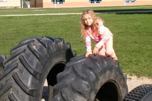 recycled_tire_playground_03