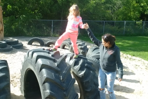 recycled_tire_playground_05