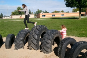recycled_tire_playground_08