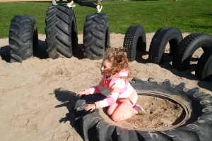 recycled_tire_playground_10