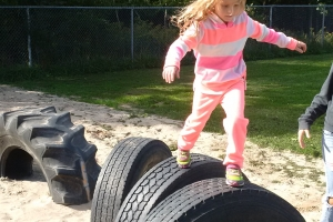 recycled_tire_playground_13